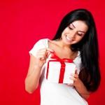 Männer-Geschenke: Damit machen Sie ihrer Freundin die größte Freude!