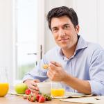 Fit bleiben bis ins hohe Alter: Die besten Tipps für den Alltag